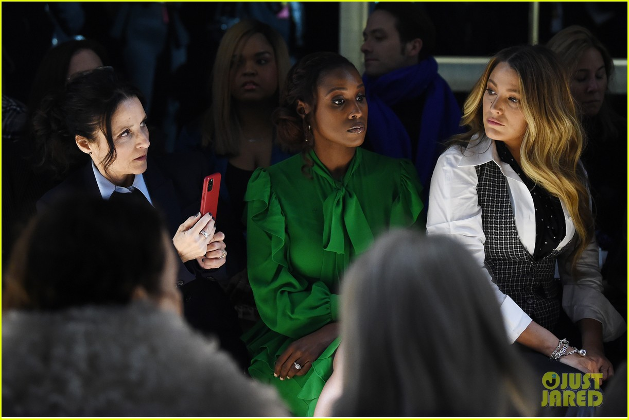 blake lively issa rae julia louis dreyfus make the perfect trio at michael kors 324436963