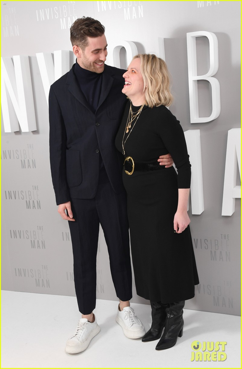 elisabeth moss explains what the invisible man is really about 014439419