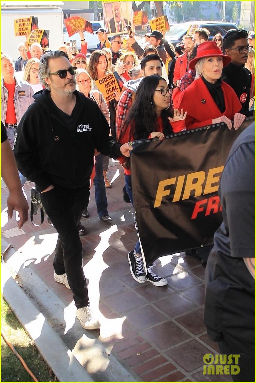 joaquin phoenix rooney mara fire drill friday with jane fonda 034431510