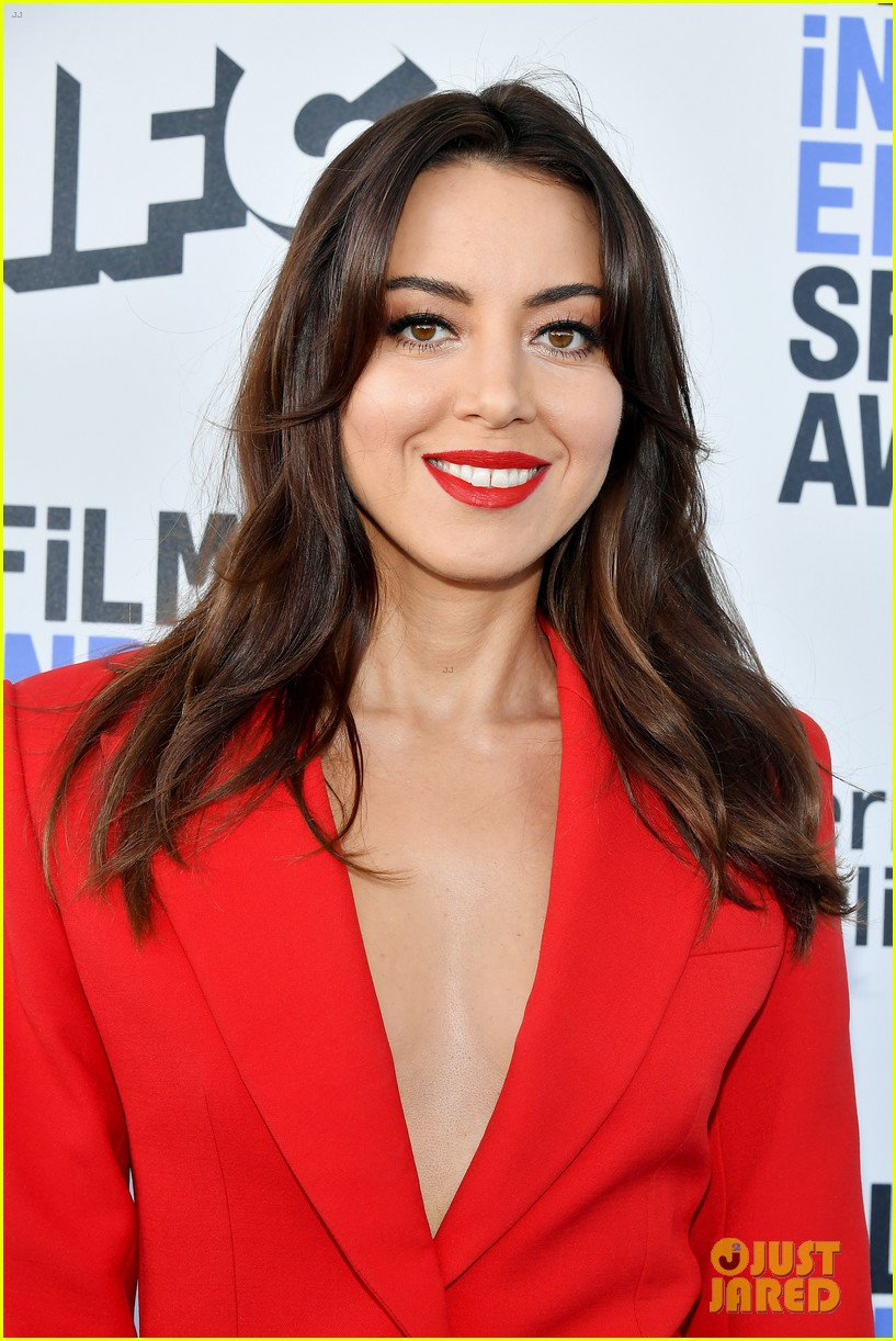 aubrey plaza spirit awards 2020 024432498