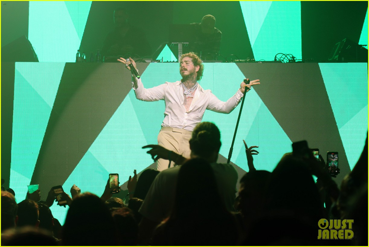 post malone performs at super bowl partykevin hart 184427685