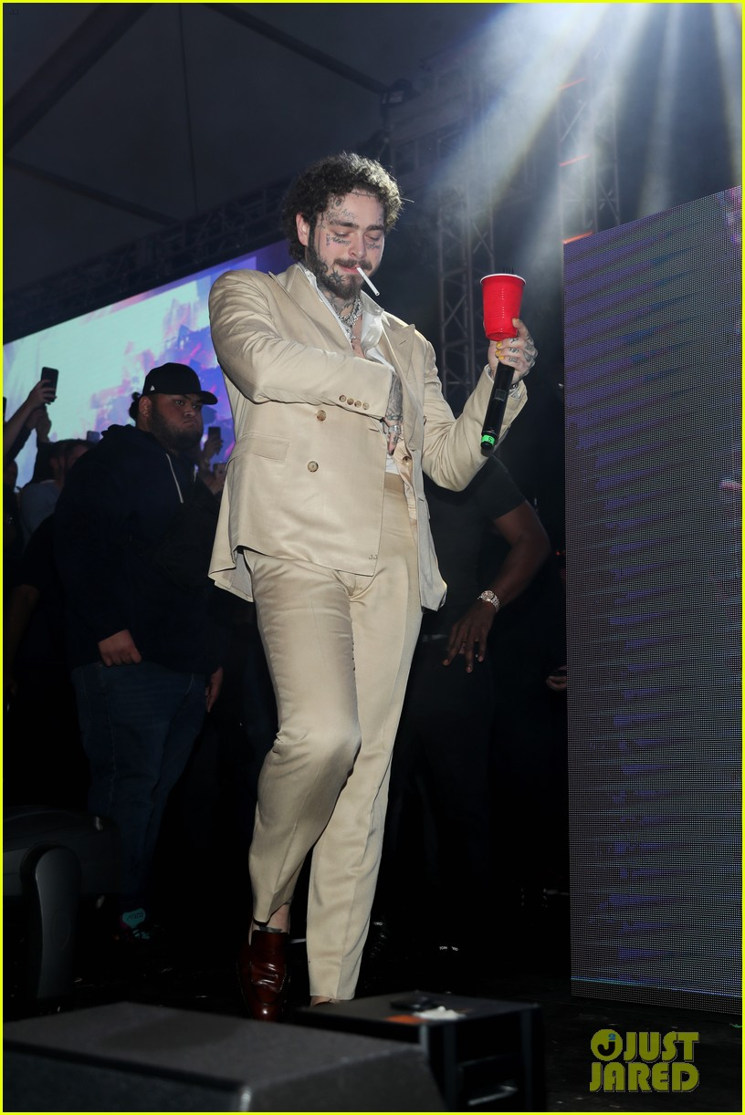 post malone performs at super bowl partykevin hart 214427688