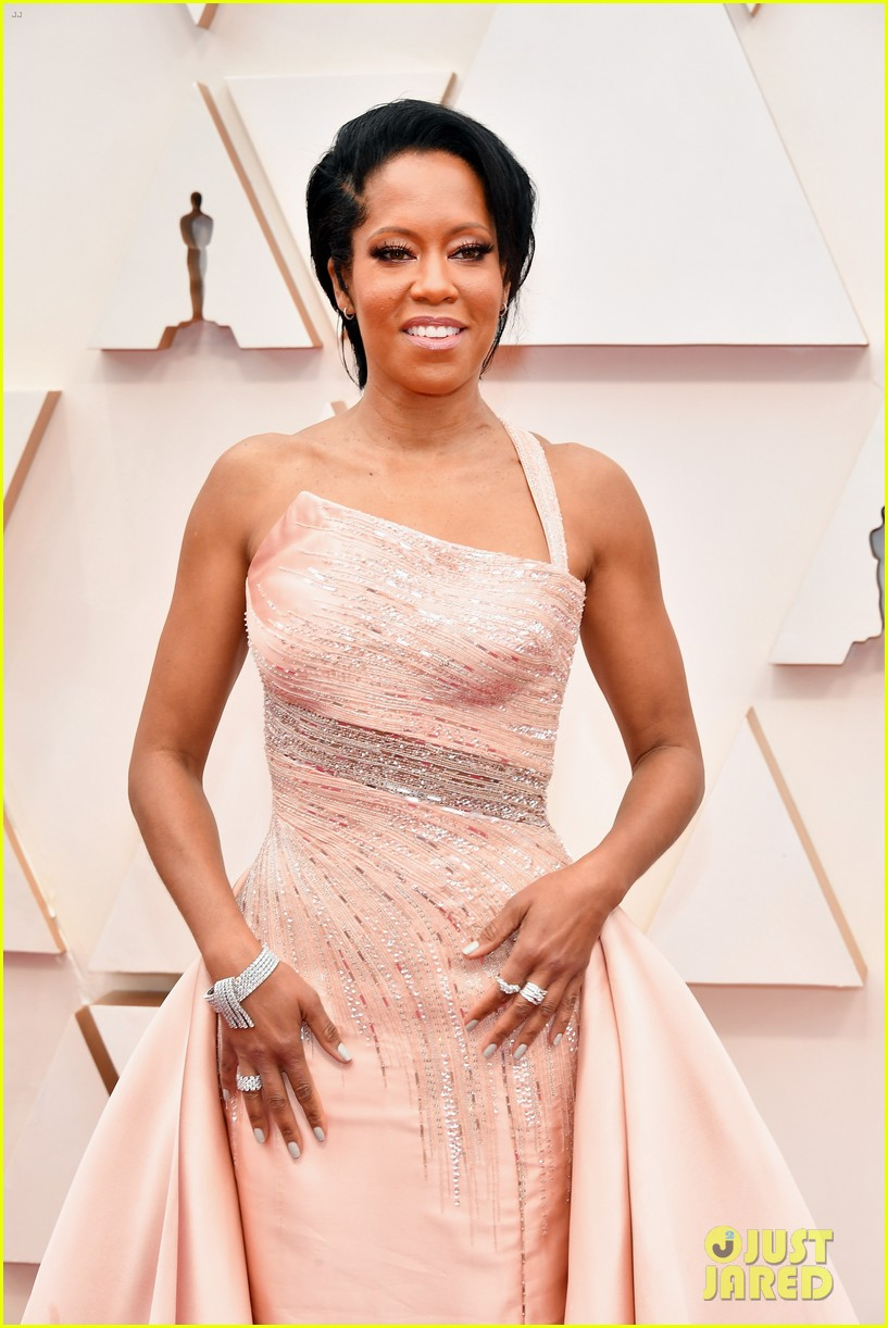 Regina King Shines In A Light Pink Gown At Oscars 2020 Photo 4433472 2020 Oscars Oscars Regina King Pictures Just Jared
