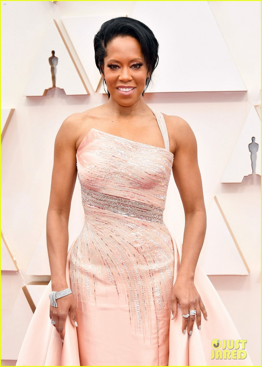 Regina King Shines In A Light Pink Gown At Oscars 2020 Photo 4433480 2020 Oscars Oscars Regina King Pictures Just Jared