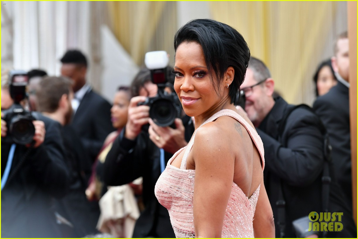 Regina King Shines In A Light Pink Gown At Oscars 2020 Photo 4433481 2020 Oscars Oscars Regina King Pictures Just Jared