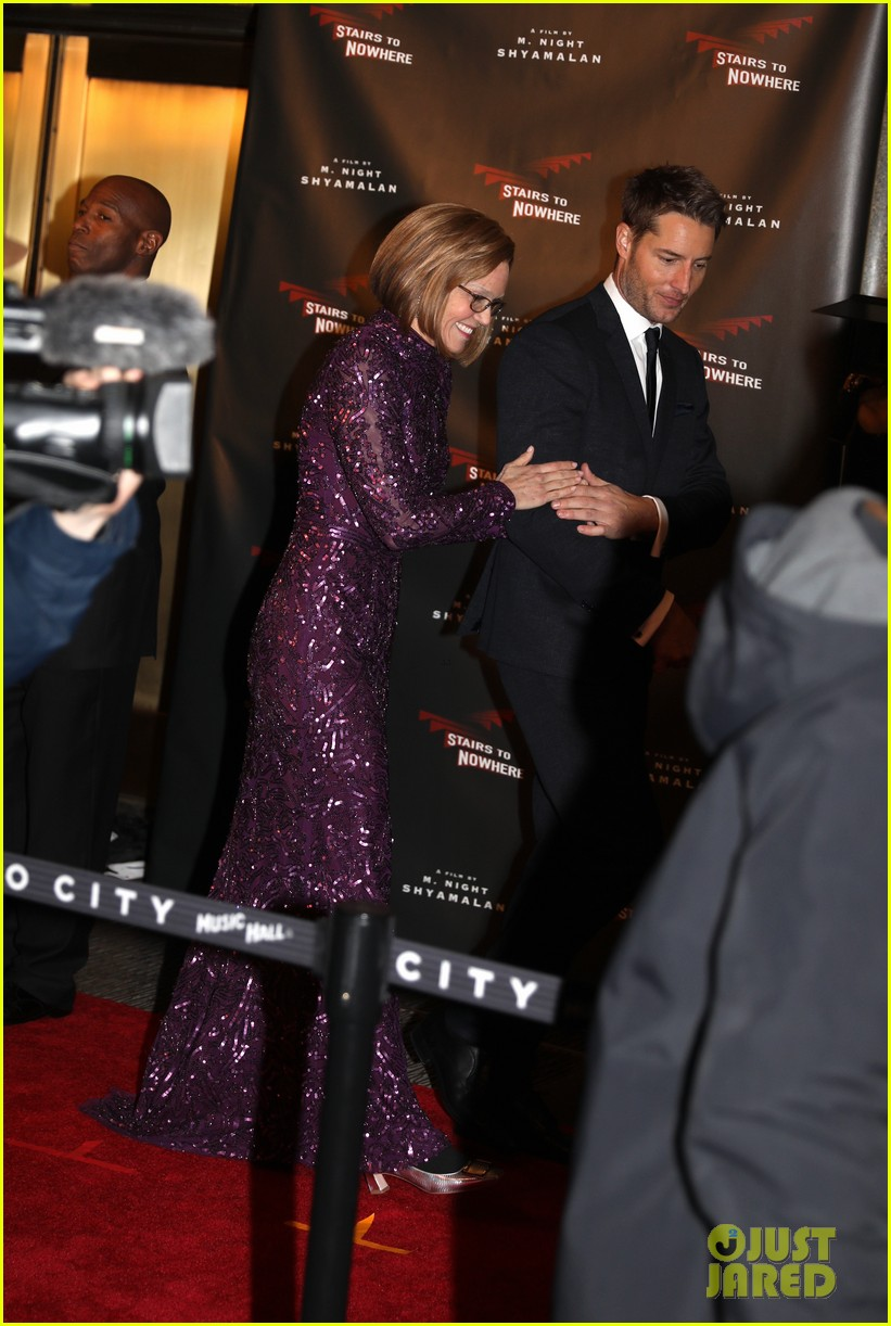 mandy moore justin hartley red carpet scene this is us 014436837