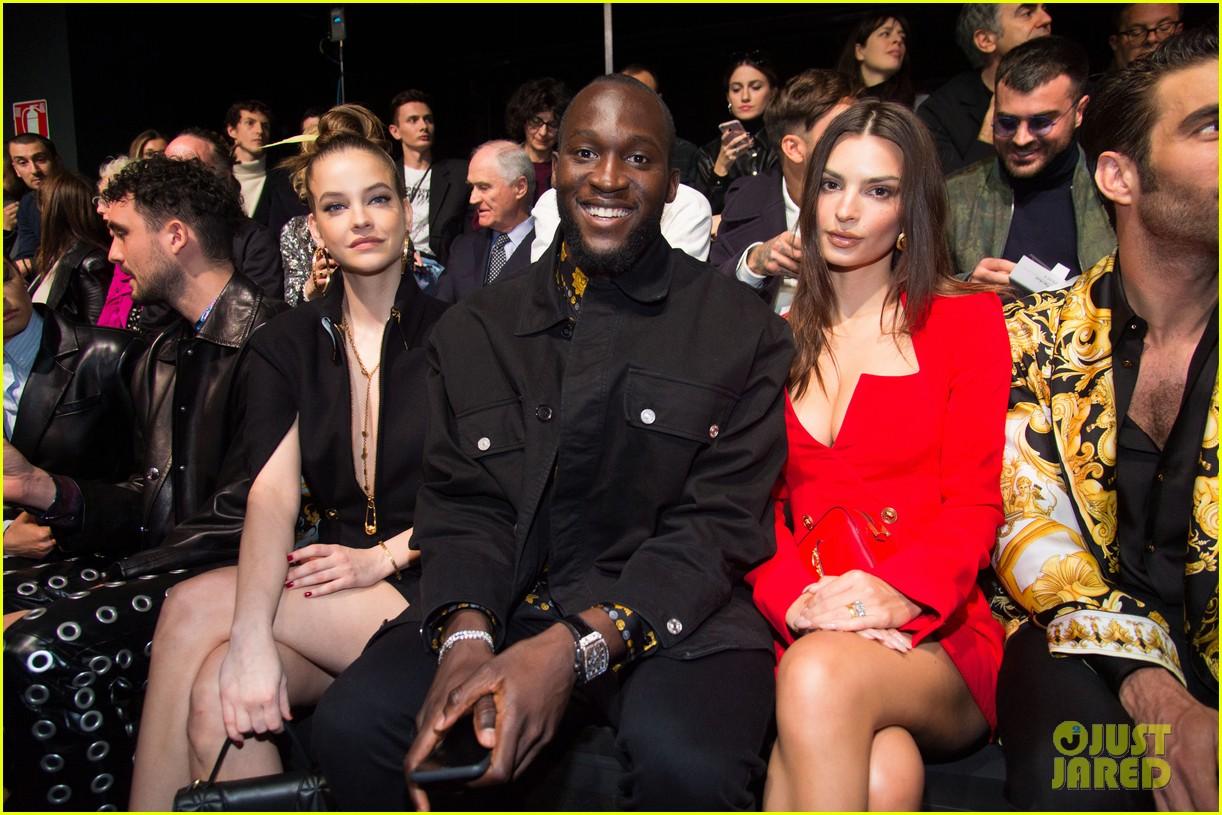 versace milan fashion show 074440586
