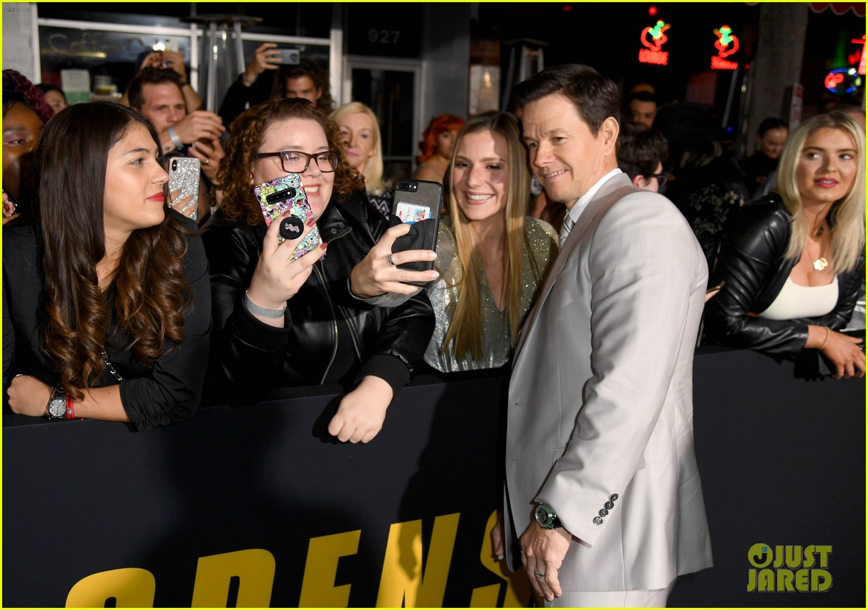 mark wahlberg wahlburgers delivered to spenser confidential premiere post malone 044443408