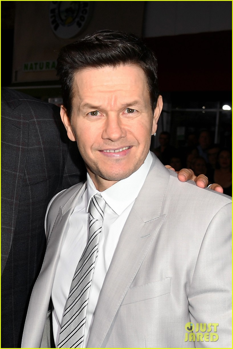Mark Wahlberg S Wahlburgers Get Delivered To Spenser Confidential Premiere Courtesy Of Post Malone Photo 4443412 Alan Arkin Alexandra Vino Ayana Brown Brandon Scales Colleen Camp Dustin Tucker Hope Olaide Wilson Iliza