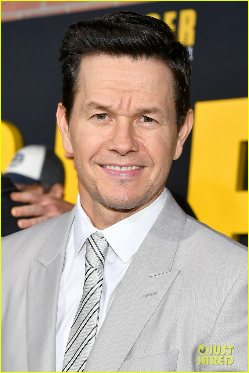 Mark Wahlberg S Wahlburgers Get Delivered To Spenser Confidential Premiere Courtesy Of Post Malone Photo 4443418 Alan Arkin Alexandra Vino Ayana Brown Brandon Scales Colleen Camp Dustin Tucker Hope Olaide Wilson Iliza