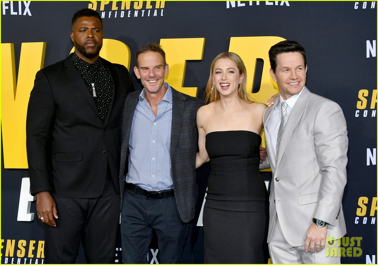 Mark Wahlberg S Wahlburgers Get Delivered To Spenser Confidential Premiere Courtesy Of Post Malone Photo 4443429 Alan Arkin Alexandra Vino Ayana Brown Brandon Scales Colleen Camp Dustin Tucker Hope Olaide Wilson Iliza