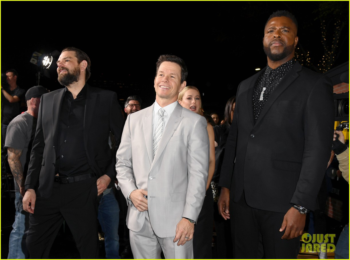 Mark Wahlberg S Wahlburgers Get Delivered To Spenser Confidential Premiere Courtesy Of Post Malone Photo 4443438 Alan Arkin Alexandra Vino Ayana Brown Brandon Scales Colleen Camp Dustin Tucker Hope Olaide Wilson Iliza