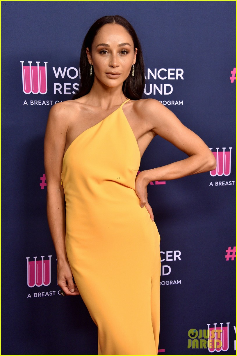 renee zellweger makes first appearance since winning oscar womens cancer research fund 104443589