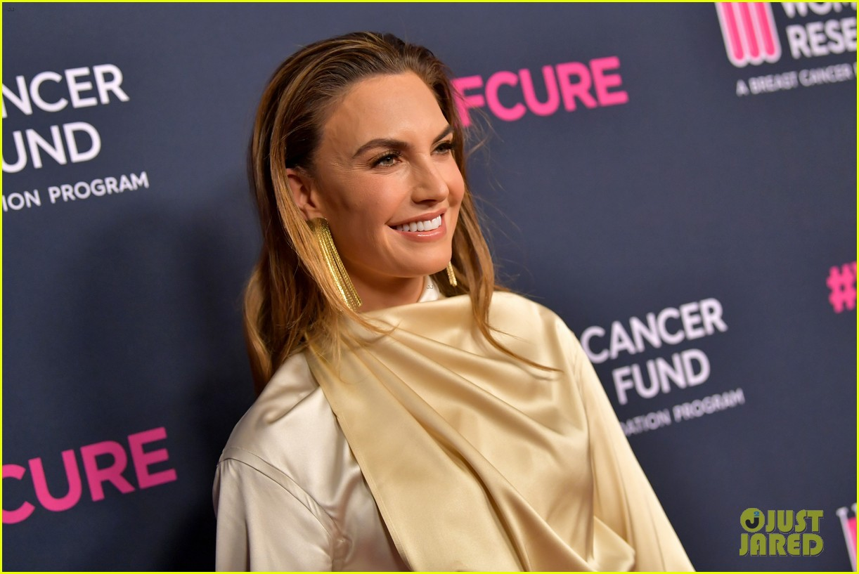 renee zellweger makes first appearance since winning oscar womens cancer research fund 154443594