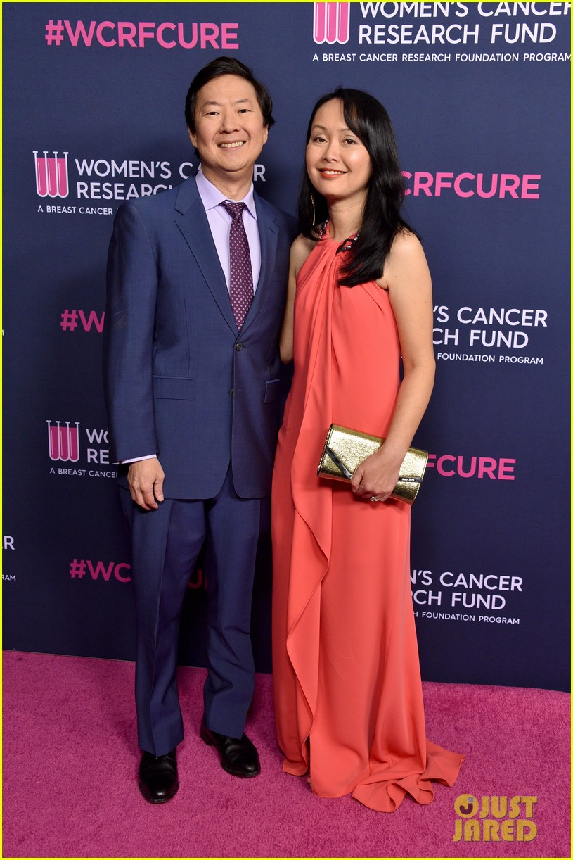 renee zellweger makes first appearance since winning oscar womens cancer research fund 174443596
