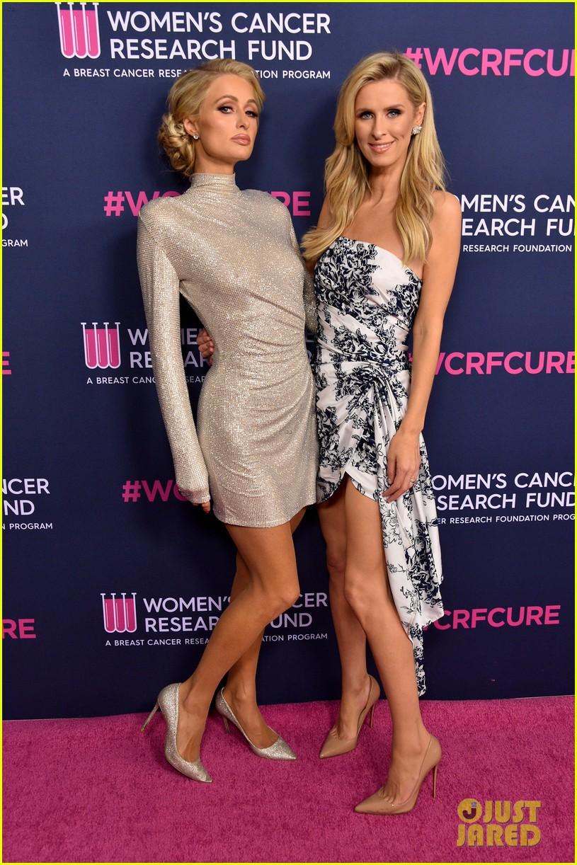 renee zellweger makes first appearance since winning oscar womens cancer research fund 214443600