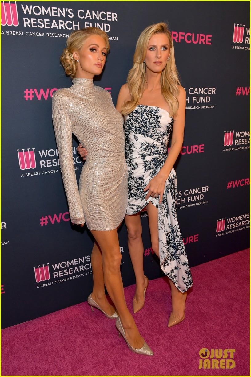 renee zellweger makes first appearance since winning oscar womens cancer research fund 224443601