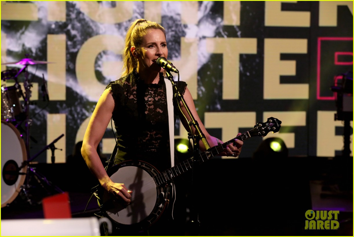 dixie chicks on being the first targets of cancel culture it can ruin people lives 084449626