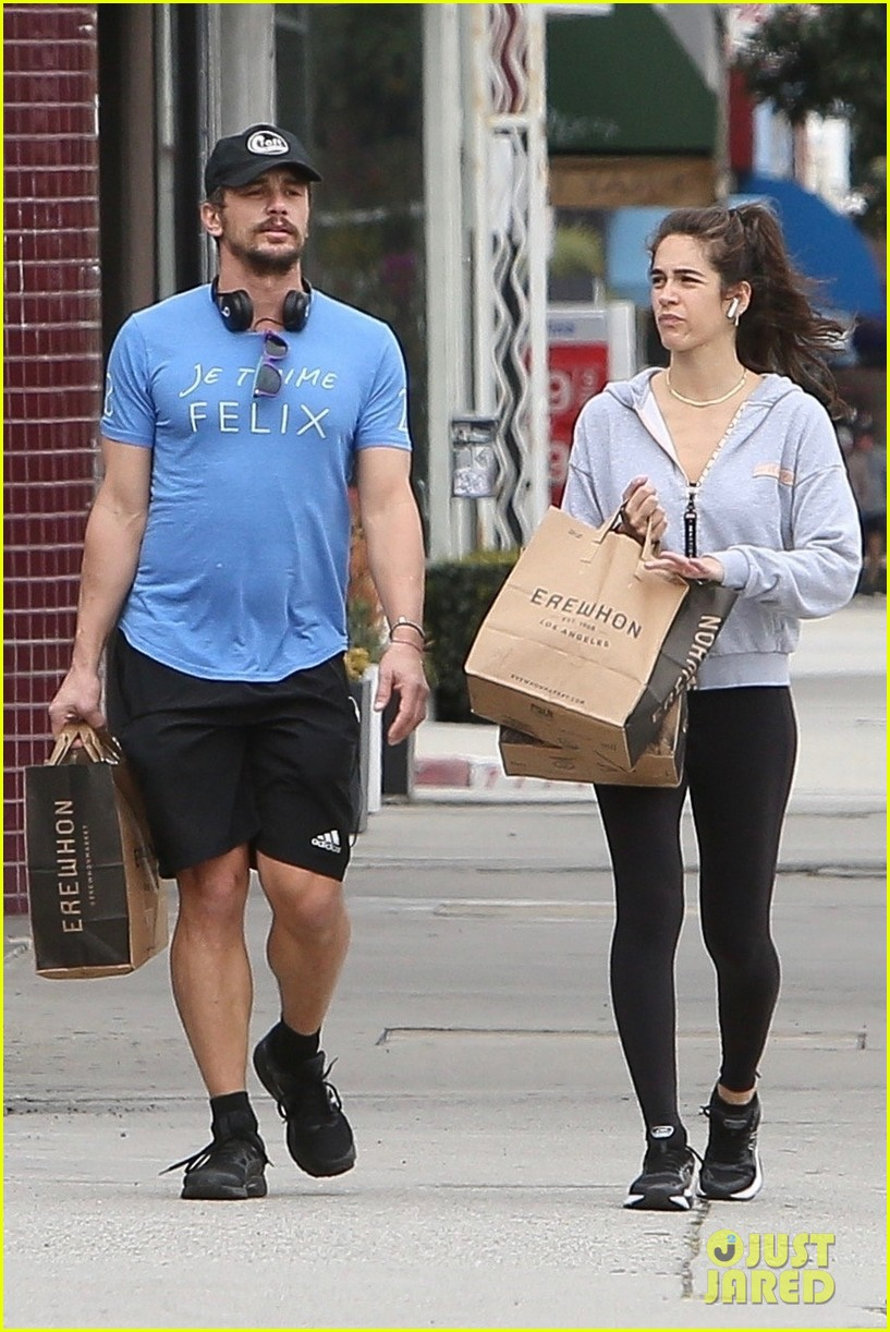 james franco goes grocery shopping with a female friend 014450695