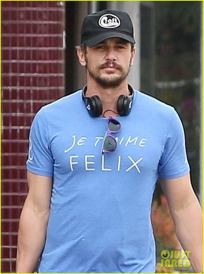 james franco goes grocery shopping with a female friend 024450696