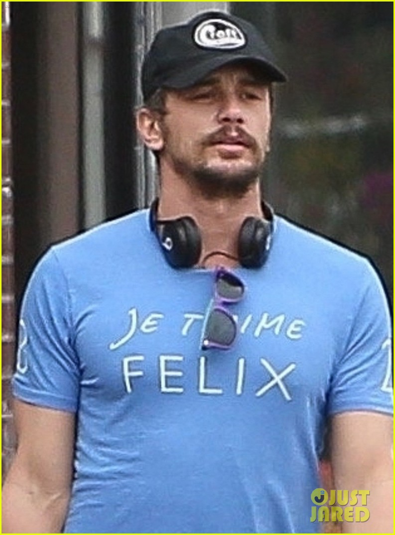 james franco goes grocery shopping with a female friend 044450698