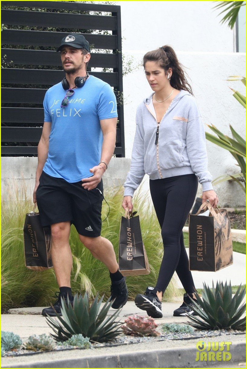 james franco goes grocery shopping with a female friend 054450699
