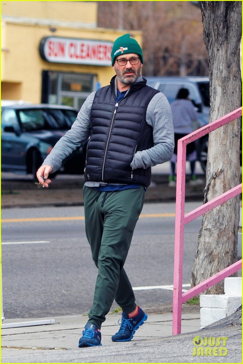 jon hamm goes for solo stroll 094450148