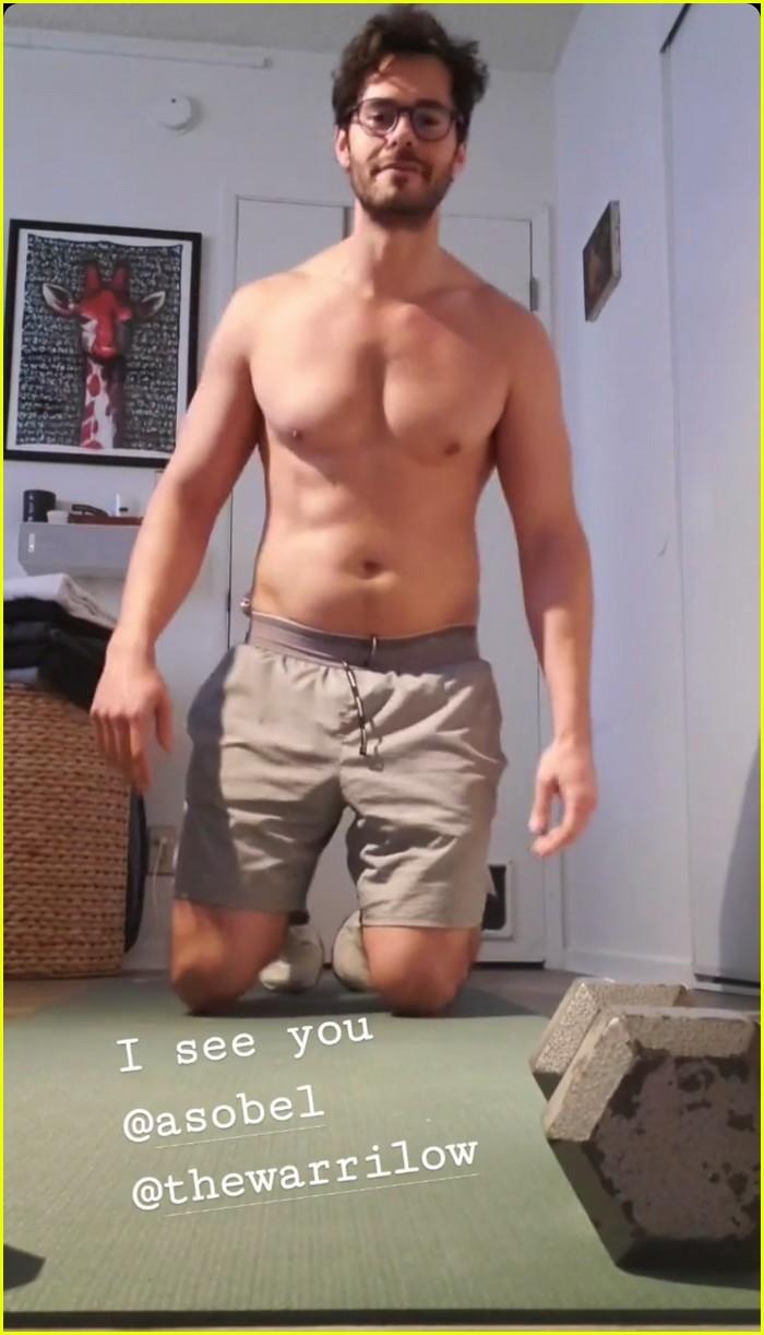 jayson blair shirtless push up challenge 014451276