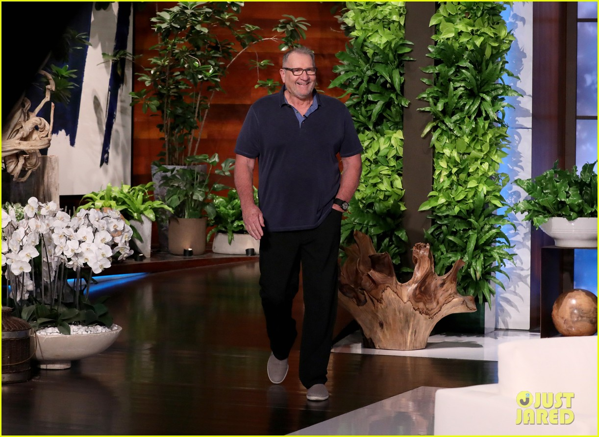ed oneill shares sweet moment he shared with leonardo dicaprio on fathers day 024447565