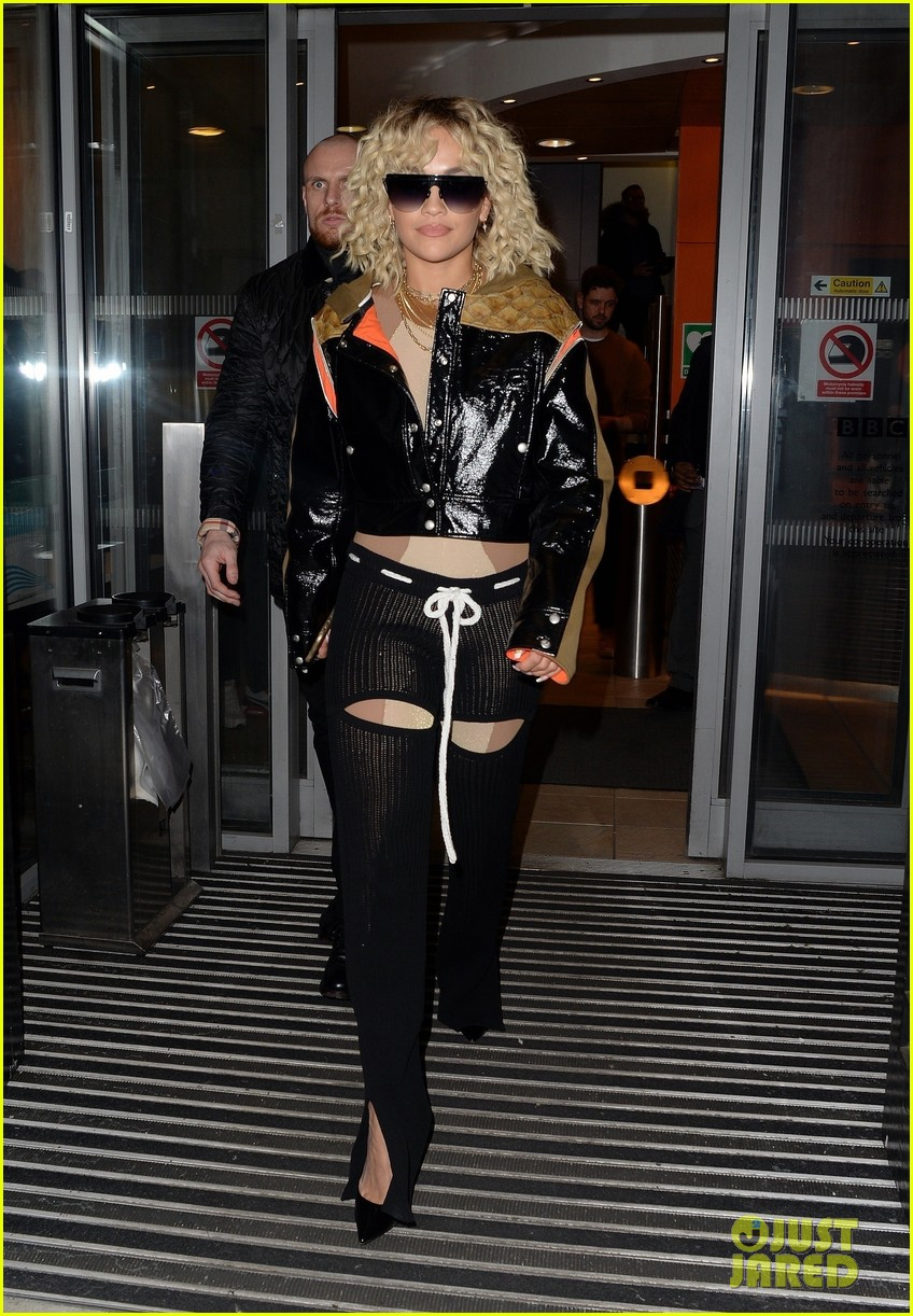 rita ora steps out to promote how to be lonely despite coronavirus concerns 054449690