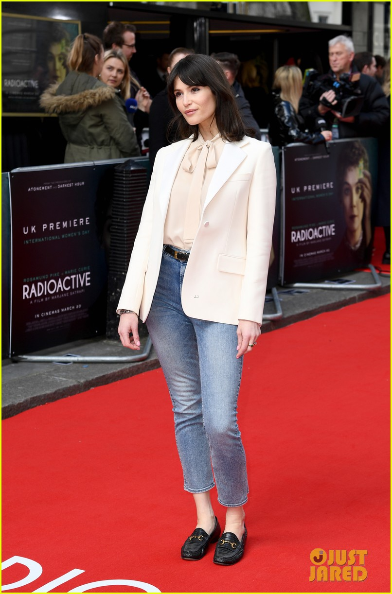 rosamund pike sam riley others radioactive uk premiere 014447291