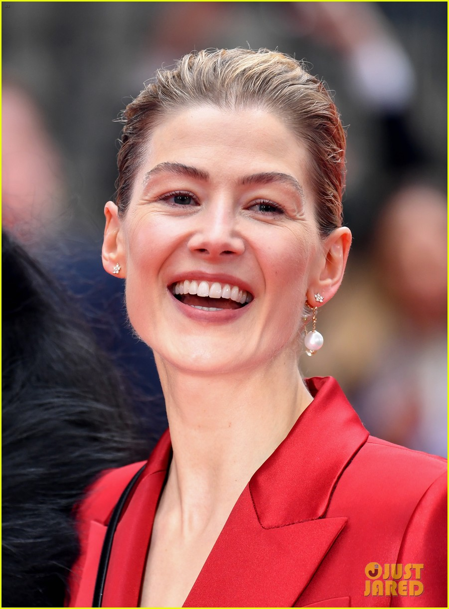rosamund pike sam riley others radioactive uk premiere 024447292