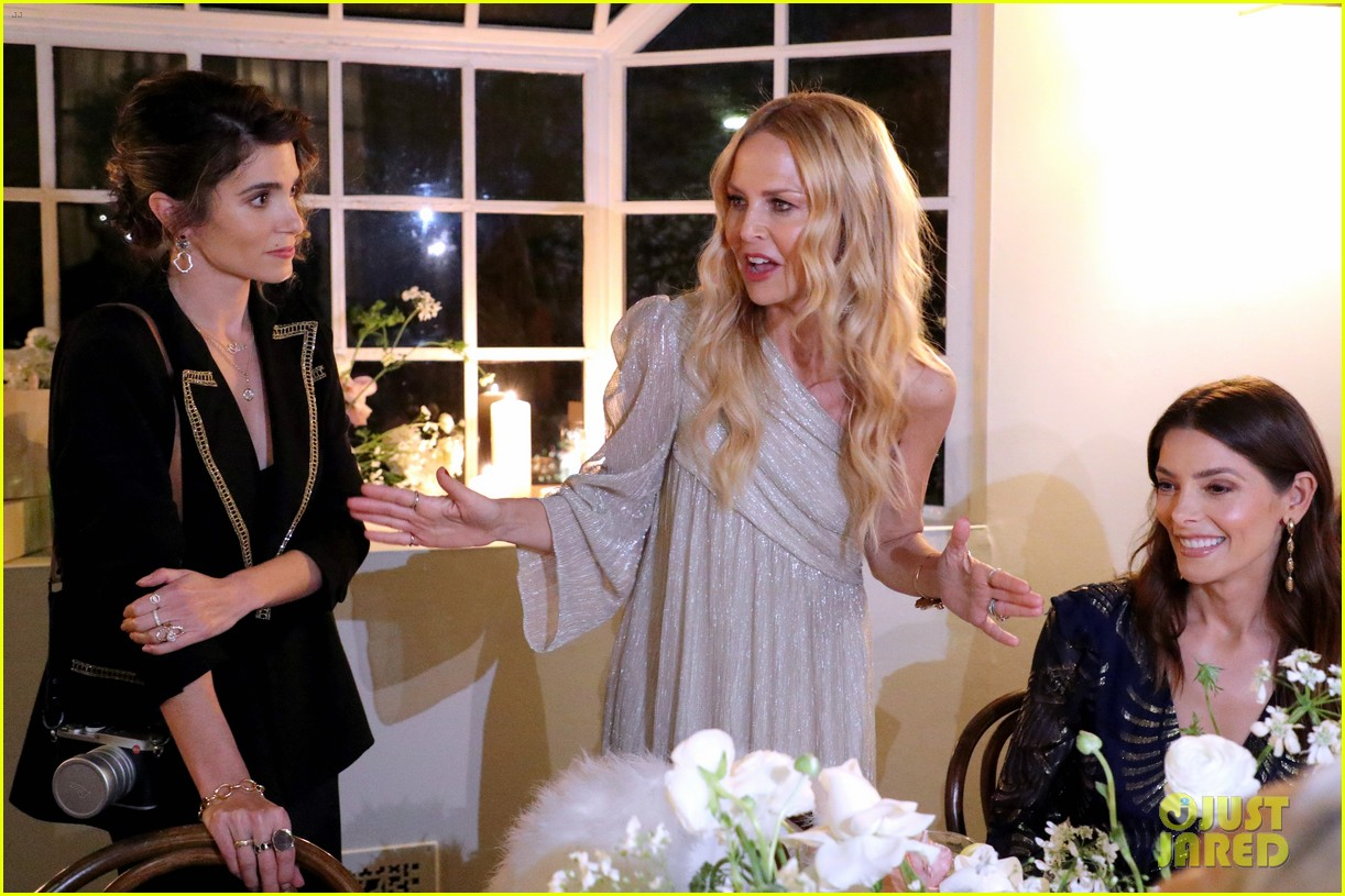 nikki reed ashley greene have mini twilight reunion at rachel zoes spring box of style 054448959