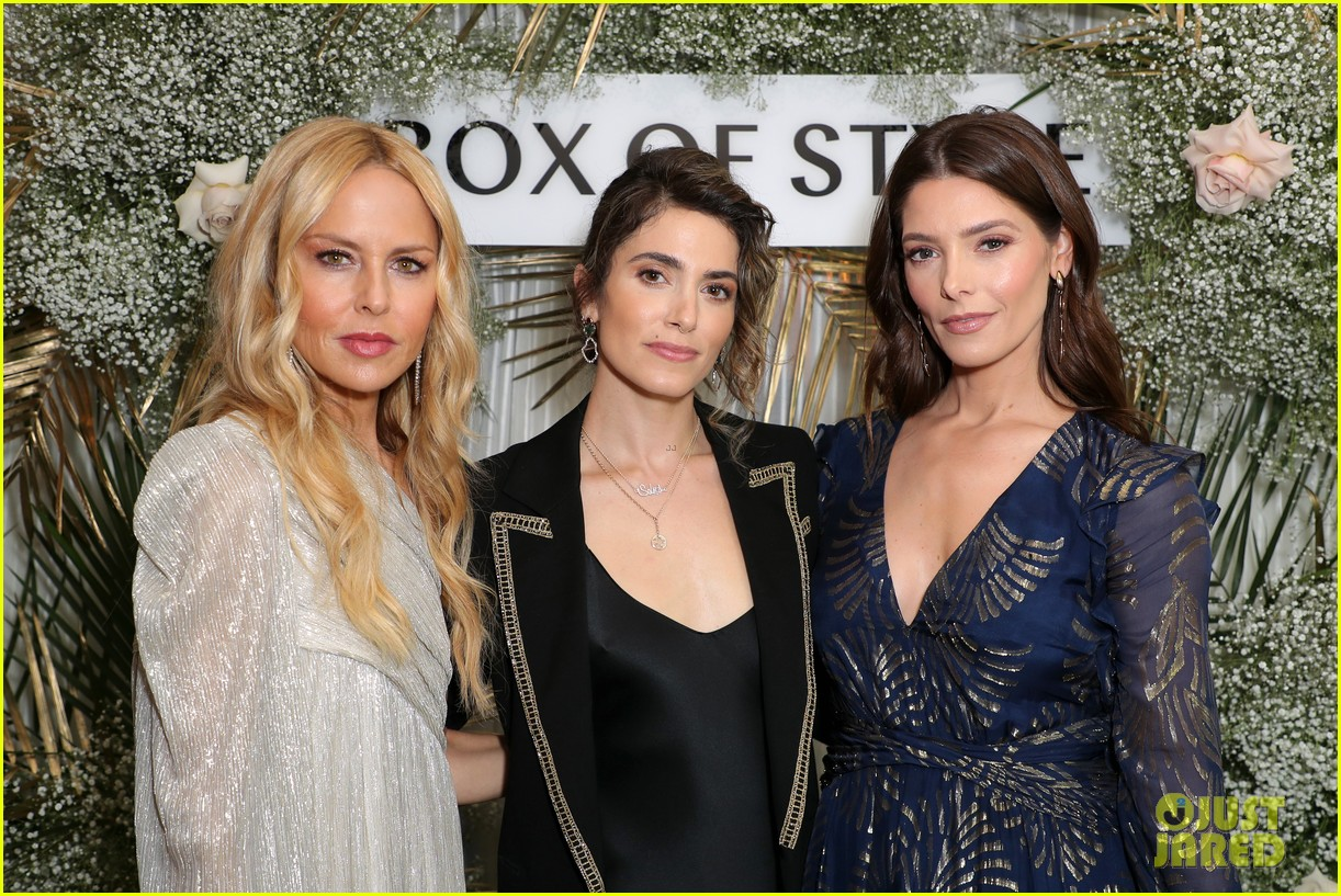 nikki reed ashley greene have mini twilight reunion at rachel zoes spring box of style 204448974