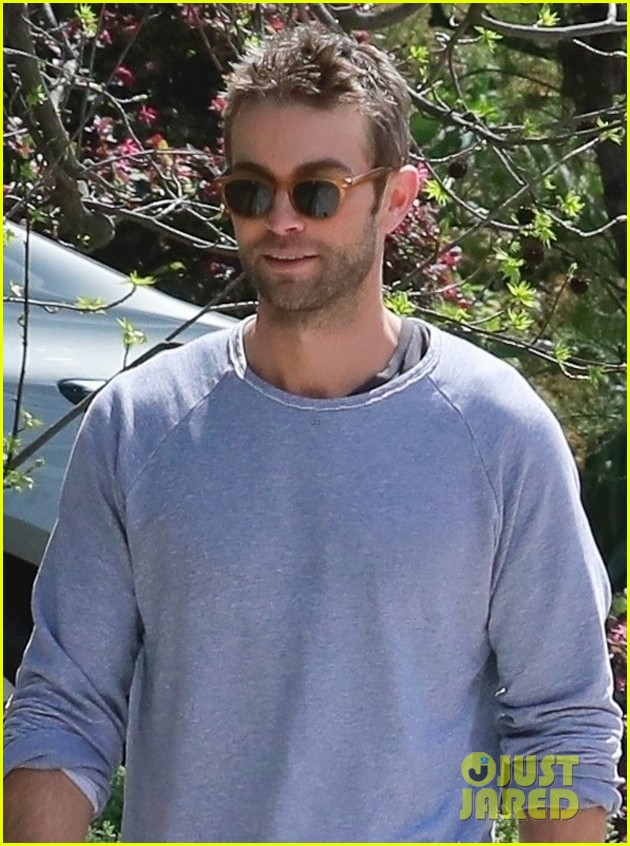 chace crawford ex rebecca rittenhouse meet up for walk 024450999