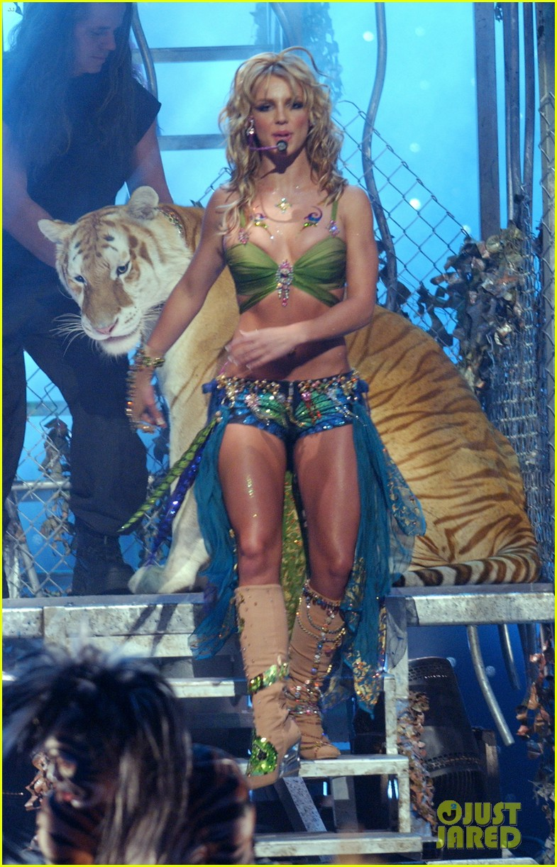 tiger king fans doc antle britney spears mtv vmas performance 024451994