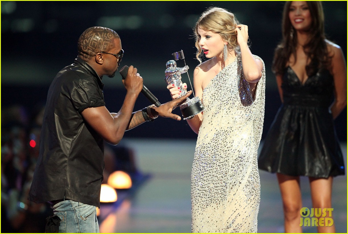 taylor swift kanye west phone call leaks 074450434
