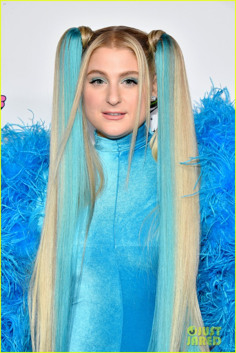 meghan trainor is bubbles at christian cowans powerpuff girls runway show 174447533