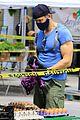 joel mchale buff biceps at farmers market 41