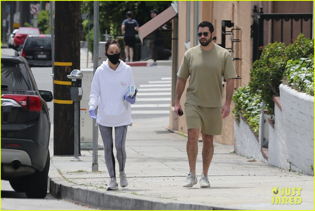 jesse metcalfe cara santana spotted together 024454818