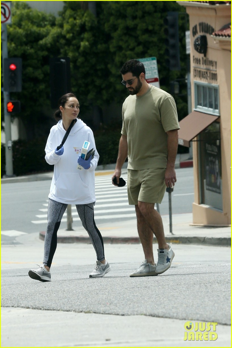 jesse metcalfe cara santana spotted together 034454819