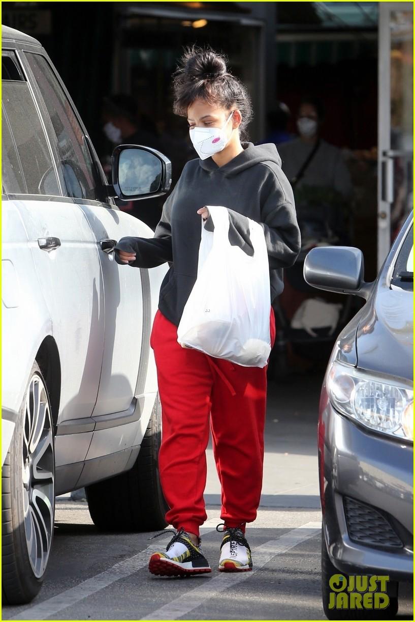 christina milian matt pokora wear masks while running errands 014452669