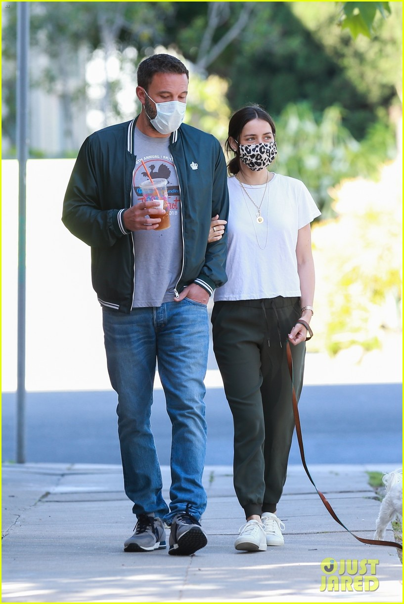 ben affleck ana de armas look so happy together 024459167