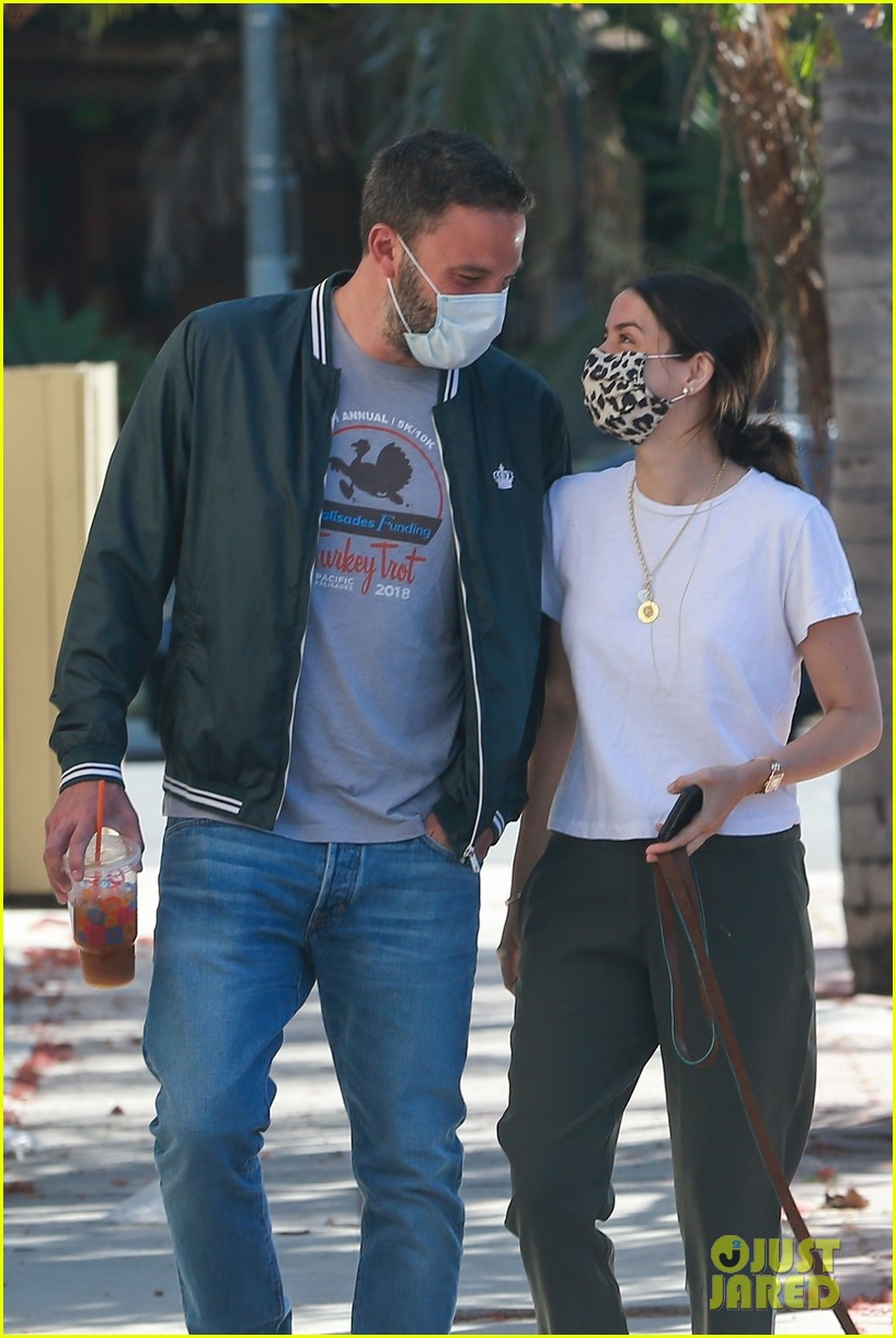 ben affleck ana de armas look so happy together 044459169