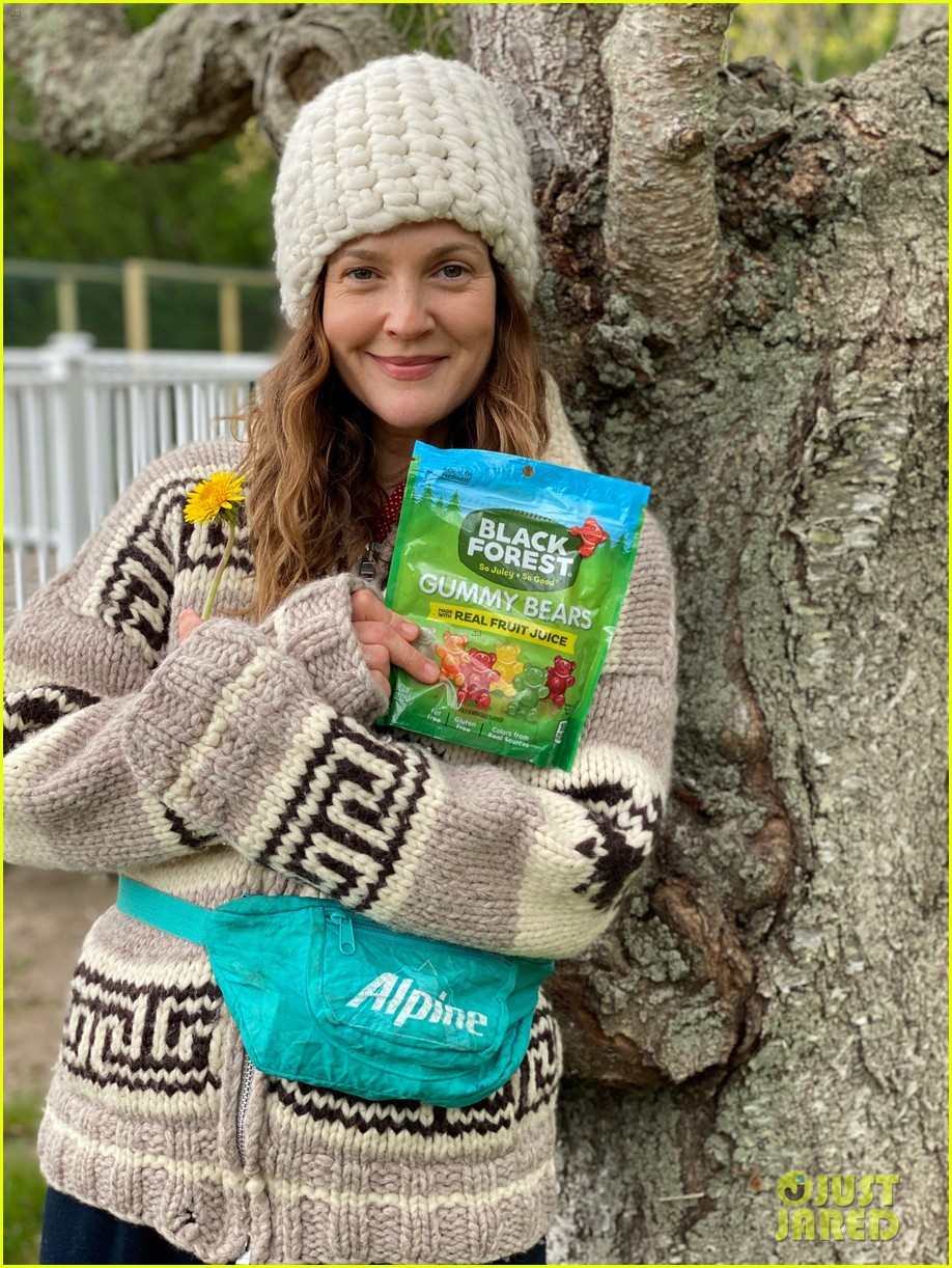 drew barrymore is celebrating national love a tree day in quarantine 044459941