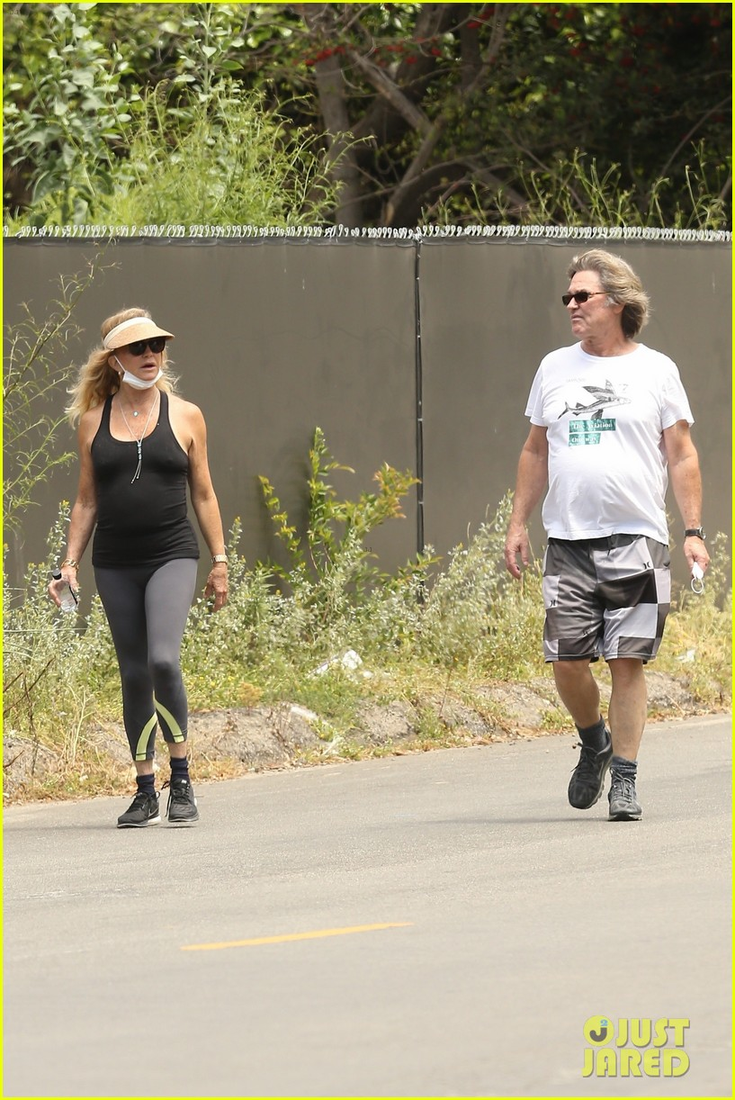 goldie hawn kurt russell may 2020 024457540