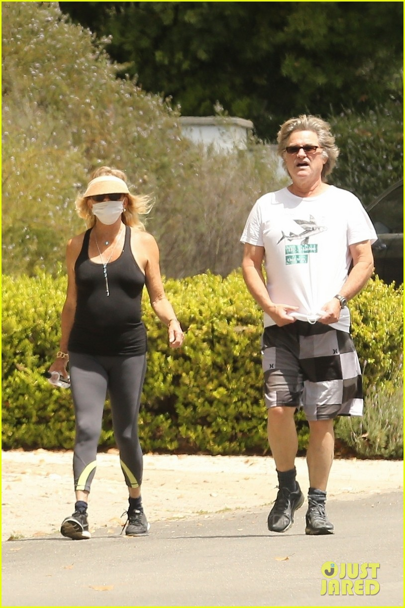 goldie hawn kurt russell may 2020 034457541