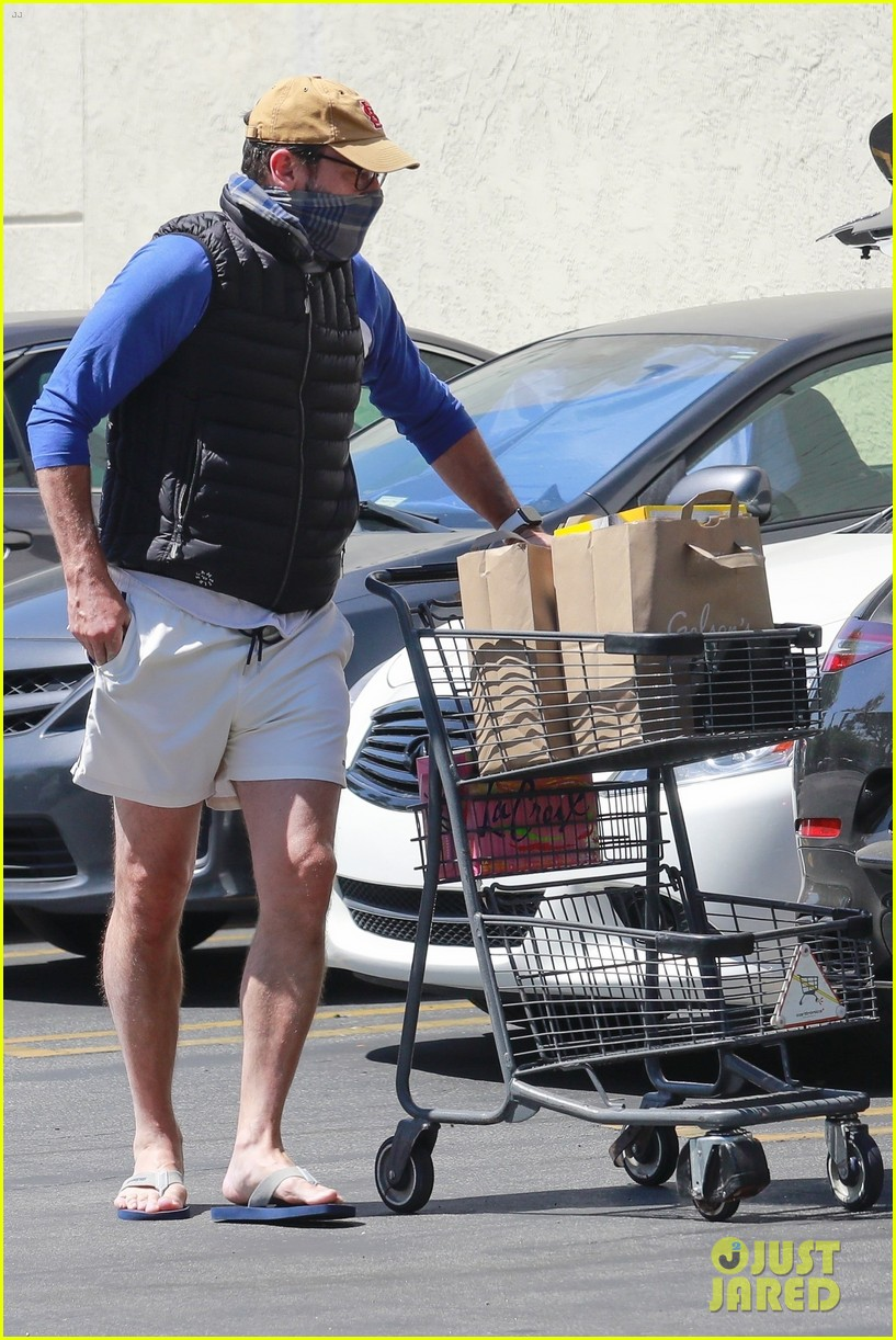 jon hamm goes grocery shopping 054457895