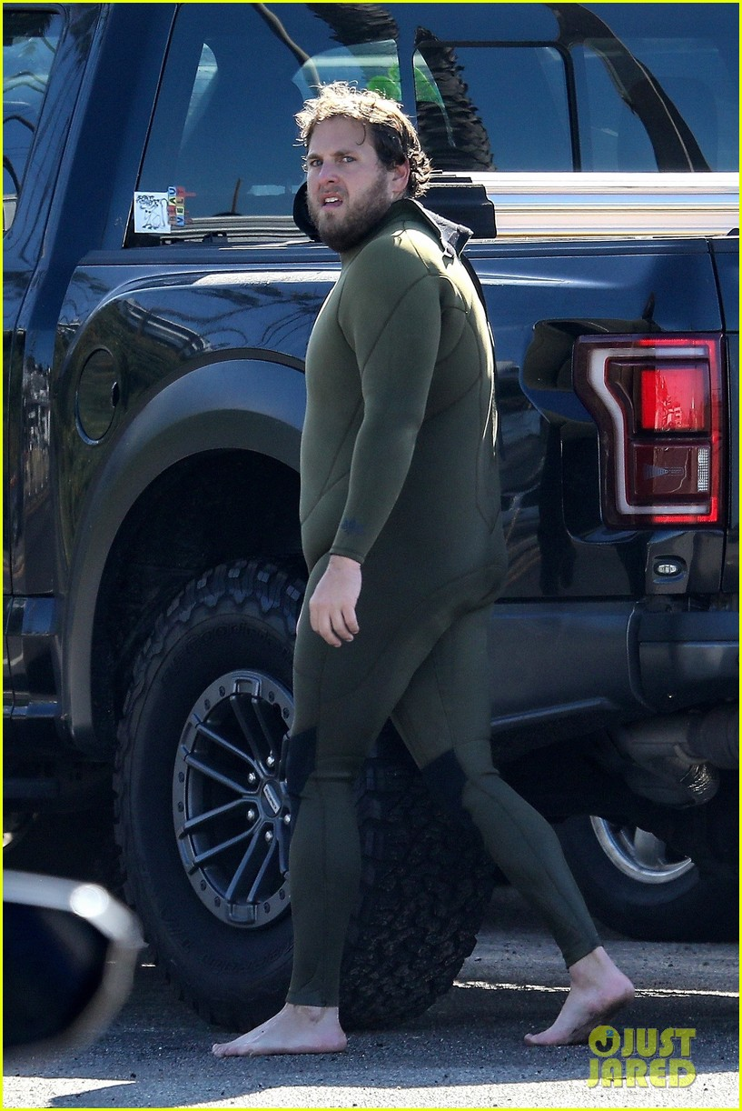 jonah hill slips into wetsuit for morning of surfing 034460077