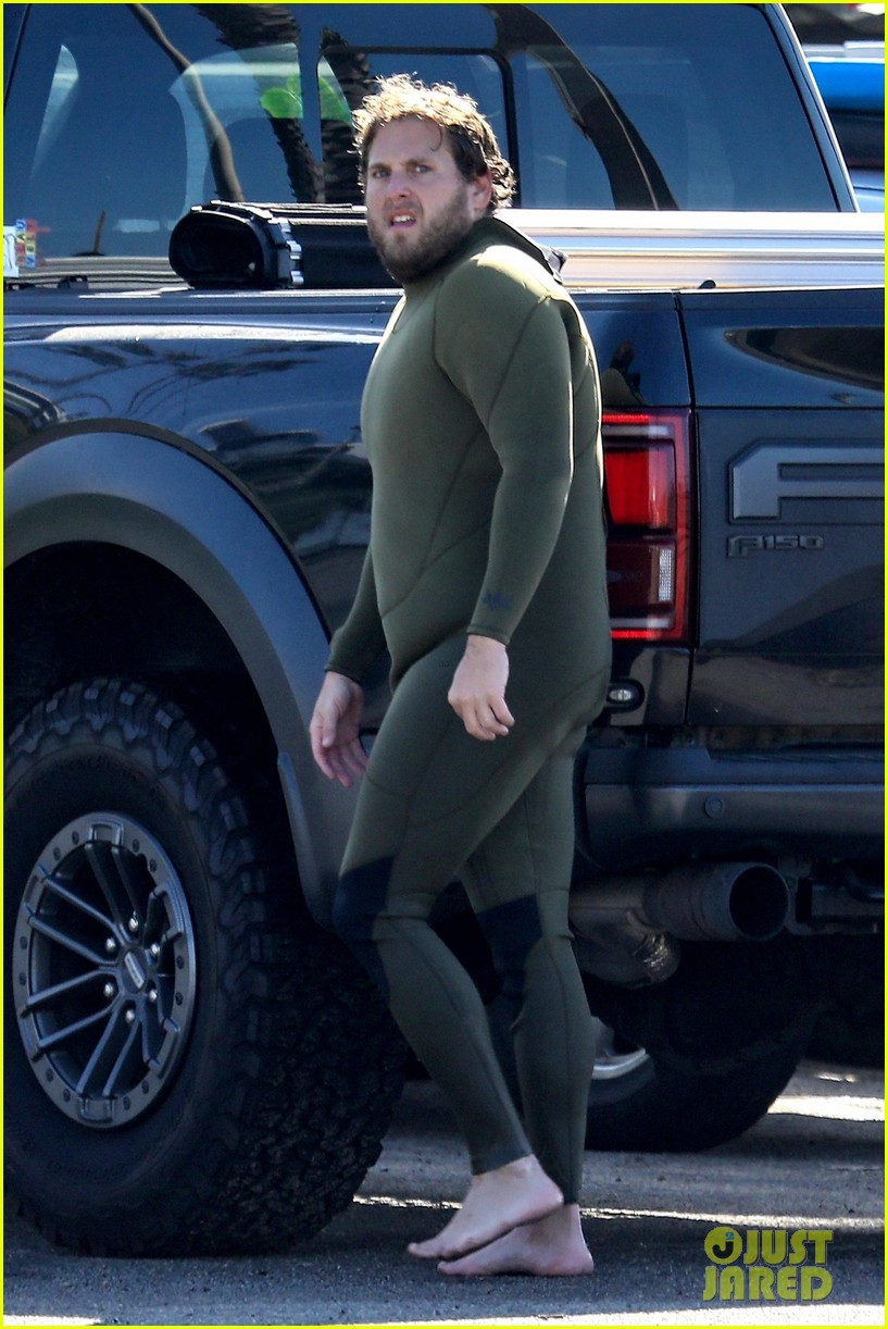 jonah hill slips into wetsuit for morning of surfing 054460079